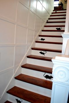I love this idea for decorating the stairs!