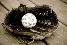 Cute way to ask a girl to prom #baseballlovers MaeMaePhotography