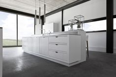 Piet Boon Warendorf interior design, pendant lamps, minim kitchen, piet boon, ev dekorasyon, dekorasyon trendleri, kitchen islands, kitchen designs, white kitchens