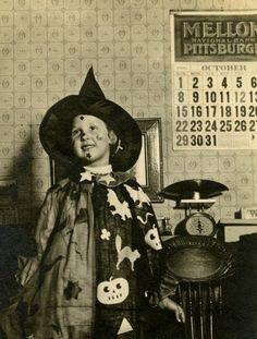 A little girl in a wonderfully cute Halloween costume, Pennsylvania, 1916. #Edwardian #vintage #Halloween #costumes