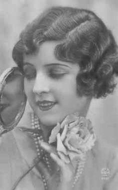 1920s hair! short hairstyles, bob hairstyles, flapper, 1920s hair, finger waves, bob haircuts