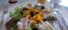 Verrukkelijke Salade Met Kipfilet En Pittige Mango-salsa recept | Smulweb.nl