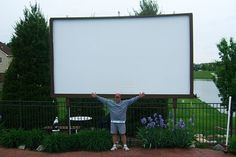 DIYer builds his own drive-in theater, brings back the retro
