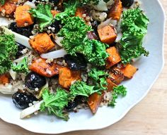 Sweet potato, Fennel & Olive Salad with Crispy Kale & Quinoa is an appetizing, satisfying and guilt free meal!