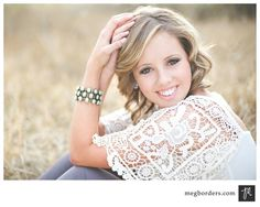 senior picture ideas for girls poses | Senior girl pose | Photography {Senior Ideas!}