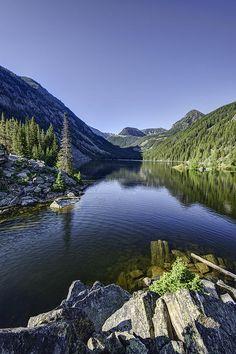 ✯ Lava Lake - Montana