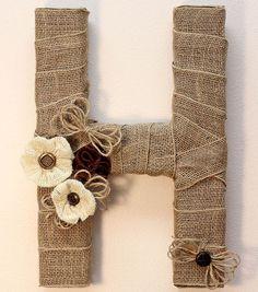 Burlap Monogram | Burlap Monogram Wreath | DIY Burlap Letter