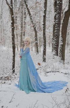 Elsa costume by Angela Clayton---amazing!