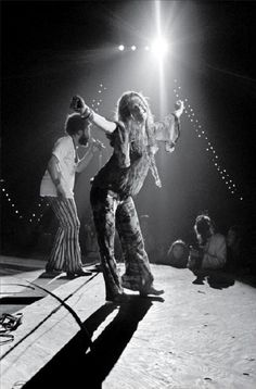 Woodstock 1969 Janis Joplin | 1960's | iconic | 27 club | music festival | musician | vintage | black and white photography | perform | on stage | concert | www.republicofyou.com.au