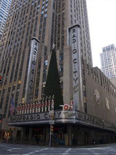 Radio City Music Hall - New York City - Are the Radio City Rockettes still dancing?