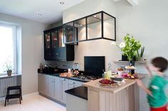 Cuisine on pinterest atelier kitchens and concrete wood for Cuisine petit espace