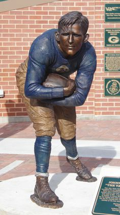 Packers Heritage Plaza / Sean Michael Bell / Galería: https://www.behance.net/gallery/10642743/Packers-Heritage-Plaza