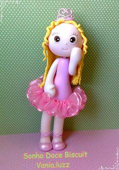 Princesa bailarina =) by Sonho Doce Biscuit *Vania.Luzz*, via Flickr