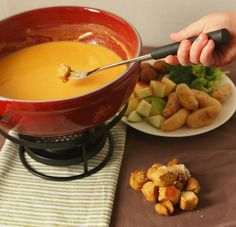 Cheddar and Cider Fondue Recipe [Kosher]