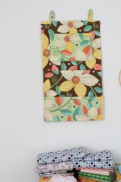 Hanging Wall Organizer tutorial.