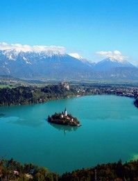 Lake Bled, Slovenia. THERE'S A CASTLE IN THE MIDDLE OF A LAKE!