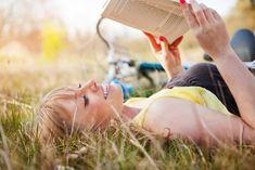 chicklit novel, idea, 20 smart, worth read, book worth, novels, read outdoor, career book, read list
