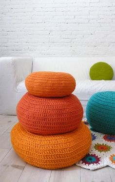 orange crochet poufs...love these