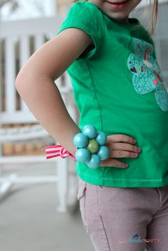 She's {kinda} Crafty: 20 Minute Tuesday   Gumball Corsage