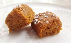 Healthy Pumpkin Squares by mouthwateringfoods: Made with applesauce! #Pumpkin #Healthy #mouthwateringfoods