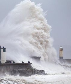 huge wave, wave break, hurrican, lighthouses, waves, south wale, porthcawl, wave south, photographi