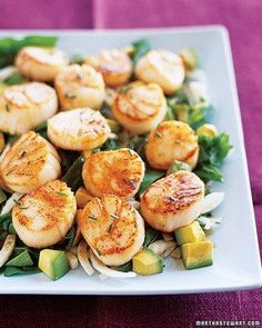 Seared Sea Scallops with Pomegranate-Dressed Salad #protein #fishisdelish #lowcarb
