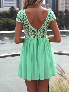 Green Short Sleeve Hollow Floral Crochet Pleated Dress