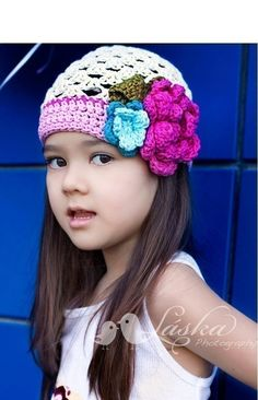 I really want to learn how to make hats like this!