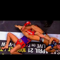 Miesha Tate vs Ronda Rousey  Rousey victory arm bar.
