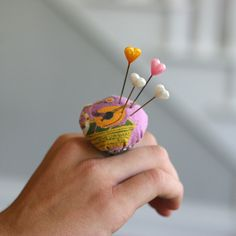 Pincushion ring - I could see this being very handy!
