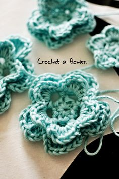 Crochet flowers - for a hat, headband, or just because there are so many little girls' heads to dress...