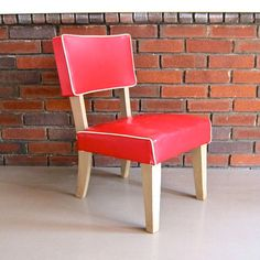 Vintage red childrens chair <3