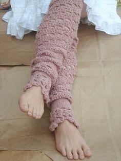 Lovely lacy legwarmer pattern from Etsy  #crochet
