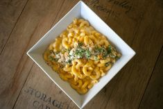 Butternut squash mac and cheese {redo this w/ no butter or pepper, replace roux and half cheese, use low-fat cheese}