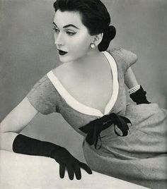 1950's fashion - dovima photo john rawlings 1952