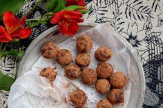 petite kitchen: CHOCOLATE BRAZIL NUT TRUFFLES WITH DATES & ORANGE ZEST