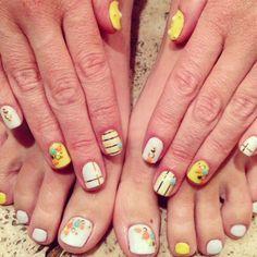 Tori Spelling's Summer Nail Art nail arts, summer nails, summer nail art