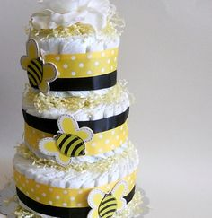 bumbl bee, baby shower cakes, bee diaper, diaper cakes, shower idea, bumble bees, babi shower, bee shower, baby showers