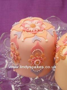 mini cakes...
