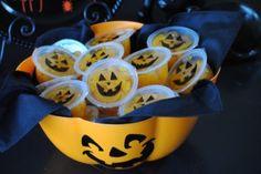 Jack O' Lantern Mandarin Orange Cups halloween idea, fall holiday, jackolantern mandarin, orang cup, jack o lanterns, oranges, mandarin cups2, holiday idea, mandarin orang