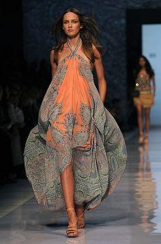 Breezy and pretty boho high fashion. Love the dress!