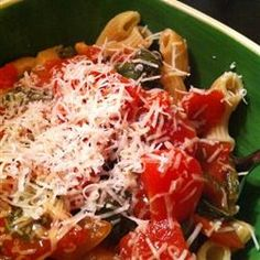 """One Pot Pasta   """"One pot does it all in this quick and easy dish. A simple saute of onions and mushrooms is simmered with tomatoes, tomato sauce, sugar, basil, oregano and garlic powder. Add raw macaroni to cook right in the sauce!"""""""