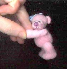 How to make a thread crochet minature bear: free pattern