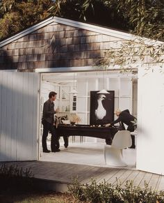 There is no reason a game room can't be stylish, no matter what your style is. This shed (OK, deluxe shed) is a bright, open-air take on the dark, leather-and-beer-signs version of the billiard room.