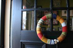 crafti project, crafti wreath, scrap wreath, wreath idea, fabric wreath, wool scrap, diy, christma, wreaths