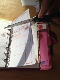Cutting: Free Filofax Weekly Inserts
