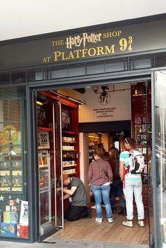 harry potter spots in london, book lovers, shops london, potter shop, london shops, london shopping, shopping london