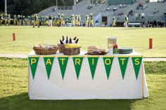 Tailgate Table Decorations | Tailgating Table | Tailgating Ideas