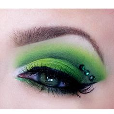 St. Patrick's Day eye makeup