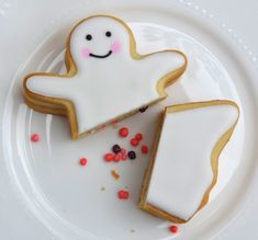 Candy Filled Ghost Cookie Tutorial for Halloween.